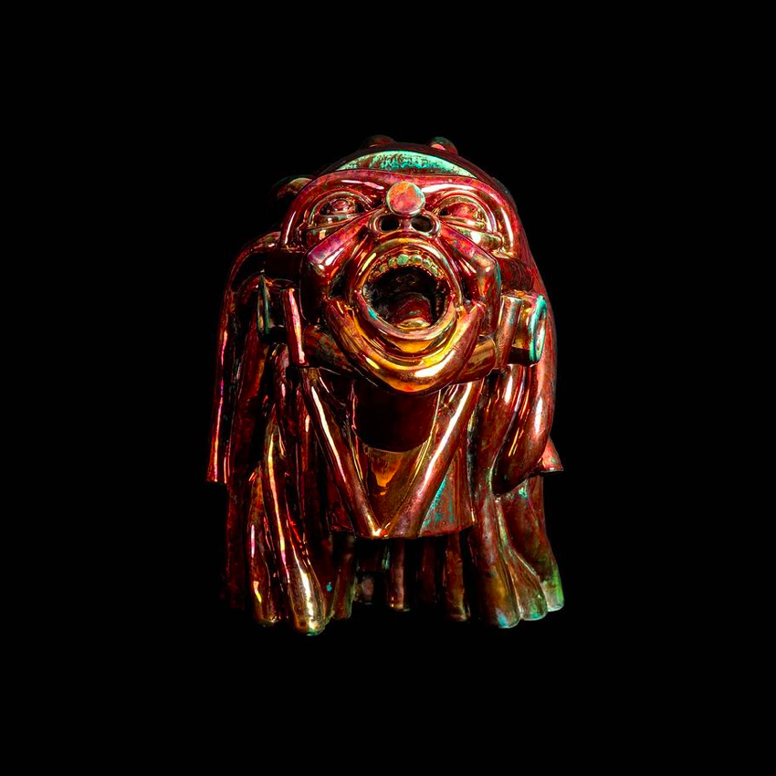 Artigiano del Cuore 2021_Vincitore_Victor Fotso Nyie_Esistenzialista, 2017, ceramica ramata, 40x35x28cm